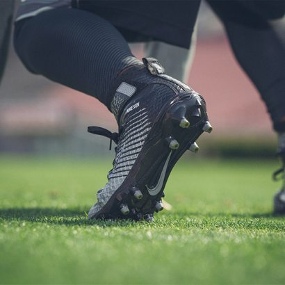 Buty piłkarskie i korki męskie