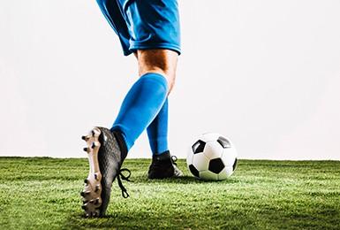 Buty piłkarskie i korki
